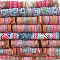 An example of the colorful textiles produced by Hmong weavers in Laos. Textile Fabrics, Textile Patterns, Textile Design, Textile Art, Embroidery Patterns, Laos, Lazy Daisy Stitch, Fabulous Fabrics, Vintage Embroidery