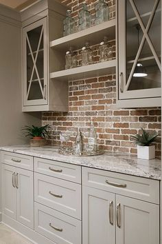 Find other ideas: Kitchen Countertops Remodeling On A Budget Small Kitchen Remodeling Layout Ideas DIY White Kitchen Remodeling Paint Kitchen Remodeling Before And After Farmhouse Kitchen Remodeling…More Classic Kitchen, Rustic Kitchen, New Kitchen, Kitchen Decor, Kitchen Ideas, Kitchen Designs, Colonial Kitchen, Kitchen Small, Crazy Kitchen
