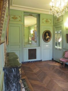 Musée Lambinet Exhibit on 18th c daily life