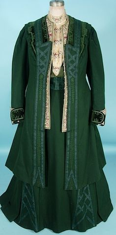 """c. 1906/1907 A. H. METZNER, New York MUSEUM QUALITY 3-piece Green Wool and Soutache Walking Suit with Velvet, """"Antique Waistcoat"""" Embroidery and Original Embroidered Net Blouse"""