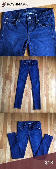 "AEO Super Stretch Skinny Jeans Sz 0 American Eagle Outfitters Super Stretch Skinny Jeans Size 0. Dark wash. Waist is about 26"", inseam about 30"". Very good condition. They were kept in a smoke free home. American Eagle Outfitters Jeans Skinny"