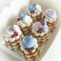 Mini Desserts For Easter; Desserts To Make With Half And Half so Irish Desserts For Easter; Decadent Desserts For Easter Fancy Desserts, Delicious Desserts, Irish Desserts, Mothers Day Desserts, Famous Desserts, Light Desserts, Easter Desserts, Mini Cakes, Cupcake Cakes