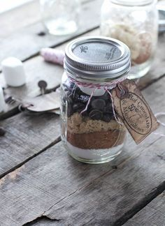 Easy Christmas gift: Cinnamon Hot Cocoa in a jar
