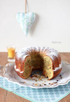 Eierlikör Apfel Mohn Gugelhupf / Eggnogg Apple Cake with Poppyseeds