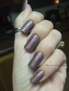 Diane Graham's custom-fit nails look beautiful with this shimmery design! Follow her at http://pinterest.com/simmi5/ to see all her fab nail art, and get your own set of beautiful and everlasting custom-fit nails at http://www.customnailsolutions.com/ .