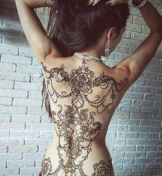Gorgeous #mehndi designs from @hennamafia #Repost #henna