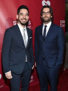 Rob Bourdon Photos Photos - Musicians Mike Shinoda (L) and Rob Bourdon of Linkin Park attend the 2016 MusiCares Person of the Year honoring Lionel Richie at the Los Angeles Convention Center on February 13, 2016 in Los Angeles, California. - 2016 MusiCares Person of the Year Honoring Lionel Richie - Red Carpet