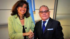 El Canciller Jorge Faurie se reunió con la directora de la OCDE Gabriela Ramos   El Canciller Jorge Faurie recibió esta mañana a una delegación de la Organización para la Cooperación y el Desarrollo Económico (OCDE) encabezada por su Directora de Gabinete y Sherpa ante el G20 Gabriela Ramos quien realiza una visita a la Argentina a fin de presentar los resultados del Estudio Económico Multidimensional que el organismo realizó sobre nuestro país. Es la primera vez que la OCDE efectúa este…