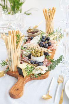 10 Genius Beauty Hacks Every Girl Should Know. Party Platters, Cheese Platters, Food Platters, Charcuterie Board Meats, Grazing Food, Antipasto Skewers, Food Film, Wine Tasting Party, Buzzfeed Food