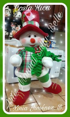 Transformes's media content and analytics Christmas Snowman, Winter Christmas, Christmas Crafts, Christmas Decorations, Christmas Ornaments, Holiday Decor, Snowman Crafts, Felt Crafts, Crafts To Sell