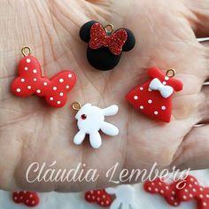 Disney Clay Charms, Polymer Clay Disney, Polymer Clay Christmas, Cute Polymer Clay, Cute Clay, Polymer Clay Charms, Clay Projects, Clay Crafts, Polymer Clay Elephant