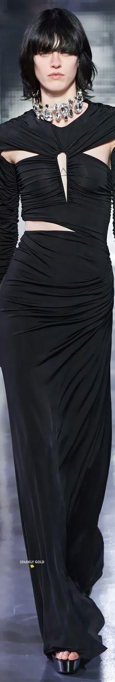 Azzaro Spring 2020 Couture All Fashion, Runway Fashion, Fashion Trends, Azzaro, Gowns Of Elegance, Elegant, Spring, Model, Hair