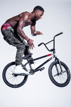 e4b05e8217ae08 Pro BMX rider Nigel Sylvester testing out the Woven Staple boxer brief. Fat  Bike