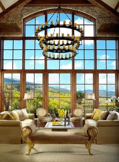 Magnificent living room in a Tuscan-style home in Aspen, Colorado (via 1 Kind Design) Tuscan Style Homes, Tuscan House, Beautiful Space, Beautiful Homes, Salas Lounge, Aspen Mountain, Aspen House, South Shore Decorating, Mediterranean Home Decor