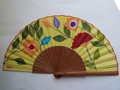 Abanicos - Abanico madera de peral con flores - hecho a mano por artepiluka en DaWanda