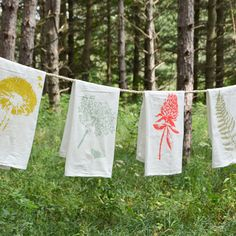 Add a little Spring to your home with this kitchen tea towel set! Queen Anne's Lace, Clover, Dandelion and Fern screen printed on Flour Sack Towels.
