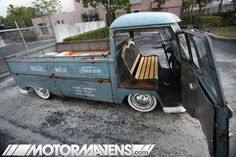 sweet single cab. i would have chosen a more weathered all wood park bench but still neat idea
