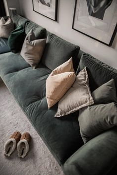 Small Balcony Garden, Green Sofa, Living Room Sofa, My Dream Home, Interior Inspiration, Sweet Home, Bedroom Decor, Lounge, House Design