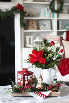 Grinch Christmas Decorations, Christmas Centerpieces, Holiday Decor, Christmas Coffee, Christmas Home, Christmas Crafts, Christmas Kitchen, Christmas 2019, Decorating Coffee Tables