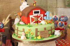 Animal Jungle Safari Theme Kids Birthday Party Cakes and Cupcakes - Mumbai Farm Birthday Cakes, Farm Animal Birthday, 3rd Birthday, Birthday Ideas, Bithday Cake, Barnyard Cake, Barnyard Party, Farm Party, Fete Laurent