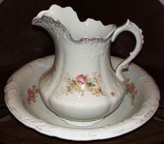 1890's wash set was manufactured by the Ford China Company, Ford City, Pennsylvania