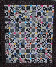 Lap Quilt - Don't Worry, Be Happy x by VermontQuiltBarn on Etsy Bright Quilts, Colorful Quilts, Happy Pop, Plus Quilt, Christmas Placemats, Nine Patch, Quilted Pillow, Machine Quilting, Quilt Making