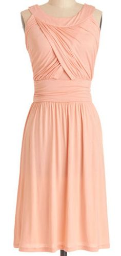 Pretty dress in #coral http://rstyle.me/n/hdny5nyg6