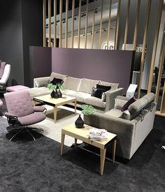 Die neuen Stressless Sofas sind in vielen Bezugsfarben erhältlich.