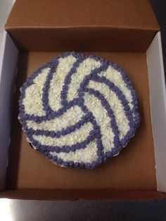 Volleyball cupcake pull apart.