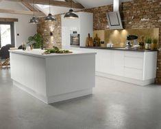 Kitchen Units, Kitchen Layout, Kitchen Ideas, Kitchen Cabinets, Cream Gloss Kitchen, Wren Kitchen, Handleless Kitchen, Kitchen Prices, Kitchen Sale
