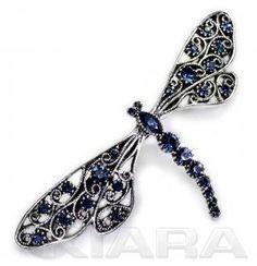 Metalowa klamra z zapięciem francuskim, w kolorze starego srebra z prawdziwymi kryształami w kolorze niebieskim (montana). Wklejane ręcznie. Spinki francuskie mają bardzo trwałe i odporne na uszkodzenia zapięcie - automat   długość automatu 8 cm