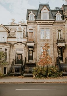 Montreal Travel, Montreal Quebec, Moving To Canada, Canada Travel, Top Of The World, Wonders Of The World, University Of Calgary, University Life, City Architecture