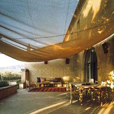 Toscana with an oriental twist. Outdoor Rooms, Outdoor Living, Outdoor Decor, Siena, Living Haus, Stealing Beauty, Terracota, Terrace Garden, Terrace Ideas