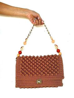 This handmade bubble bag is right for you!Nice winter colors, suitable for a sporty style or an elegant look.Perfect for daily use at your shopping or at work! If you are interested for an other color let me know! Inside the bag is a stitched bead.There is a metalic button also. SHIPPING