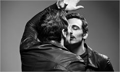I would kiss my reflection too if I were that handsome. James Franco <3
