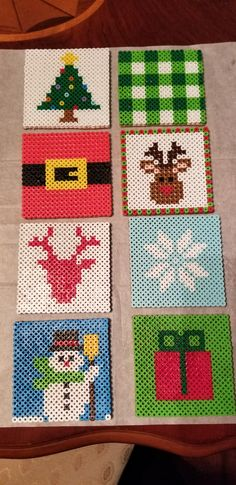 Christmas Perler Beads, Christmas Coasters, Christmas Card Crafts, Diy Christmas Ornaments, Easy Perler Bead Patterns, Melty Bead Patterns, Perler Bead Templates, Beading Patterns, Hama Beads Coasters