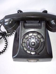 VINTAGE BLACK  ROTARY DIAL DESK TELEPHONE PHONE PTT HOLLAND UNTESTED 1959