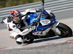 Moto-Station essaie la BMW S 1000 RR 2015 Side Car, Bmw S1000rr, Speed Bike, Sportbikes, Car Engine, Car Wheels, Motorbikes, Cars Motorcycles, Engineering