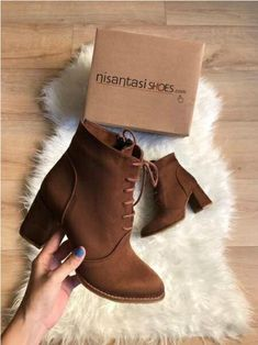 Suede ankle boots latest trend - Suede ankle boots latest trend – Just Trendy Girls Best Picture For outfits casuales For Your T - Suede Ankle Boots, Leather Shoes, Heeled Boots, Bootie Boots, Buy Shoes, Me Too Shoes, Narrow Shoes, Fresh Shoes, Cute Boots