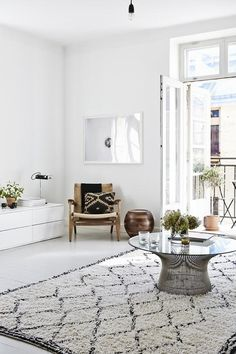 Wohnung Design im angesagten, skandinavischen Stil in Helsinki - Decor Living Room White, Home Decor Inspiration, Room Inspiration, Interior Design, House Interior, Home, Furnishings, Interior, Home Decor