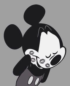 Minnie likes Mickey. Minnie likes Mickey. Disney Mickey Mouse, Mickey Mouse E Amigos, Mickey Love, Mickey Mouse And Friends, Disney Fun, Walt Disney, Disney Toys, Mickey Hipster, Mickey Mouse Tumblr