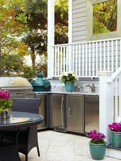 Rethinking Outdoor Kitchens: 3 Al Fresco Tips - Kitchen Design Network Outdoor Living Rooms, Outside Living, Outdoor Spaces, Outdoor Decor, Outdoor Bars, Outdoor Kitchen Cabinets, Outdoor Kitchen Design, Outdoor Kitchens, Backyard Kitchen