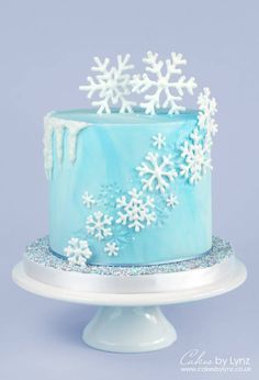 Snowflake Cake Decorating Tutorial with Icicle Drip - CakesDecor