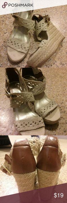 "EUC Brash platform wedge sandals 6.5 sexy! Super cute rope wedges EUC!!! Like new, 4.5"" heel on a 1.5"" platform. Brass buckle accents with adjustable straps. 6.5. Brash Shoes Sandals"