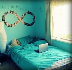:) infinity made of photos I totally want this to be my room