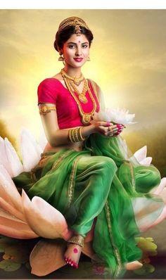 Indian Women Painting, Indian Art Paintings, Beautiful Girl In India, Beautiful Women, Saraswati Goddess, Indian Photoshoot, Indian Goddess, Best Photo Poses, Beauty Full Girl