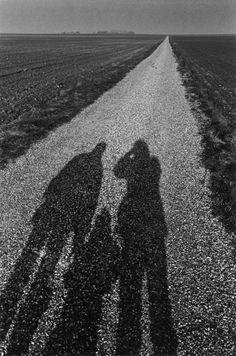Barbara, Sonia et Jeanloup, Normandie, 1981 -by Jeanloup Sieff    from Le Journal de la Photographie - around the recent publication of:   Barbara Rix-Sieff, Ira Stehmann. 'Jeanloup Sieff: Fashion 1960-2000' (Éditions de La Martinière, Paris, 2012)