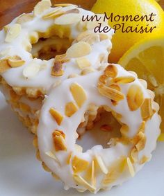 sablés au citron Donut Recipes, Cookie Recipes, Galletas Cookies, Biscuit Cookies, Original Recipe, Yummy Cakes, Cooking Time, Tart, Good Food