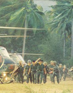 Apocalypse Now Apocalypse Now Redux, Francis Ford Coppola, War Film, Welcome To The Jungle, Great Films, New Theme, Film Stills, Album Covers, Vietnam
