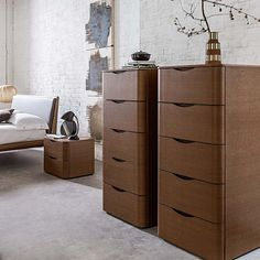 Modern luxury tall chest of drawers Moby by Morassutti |